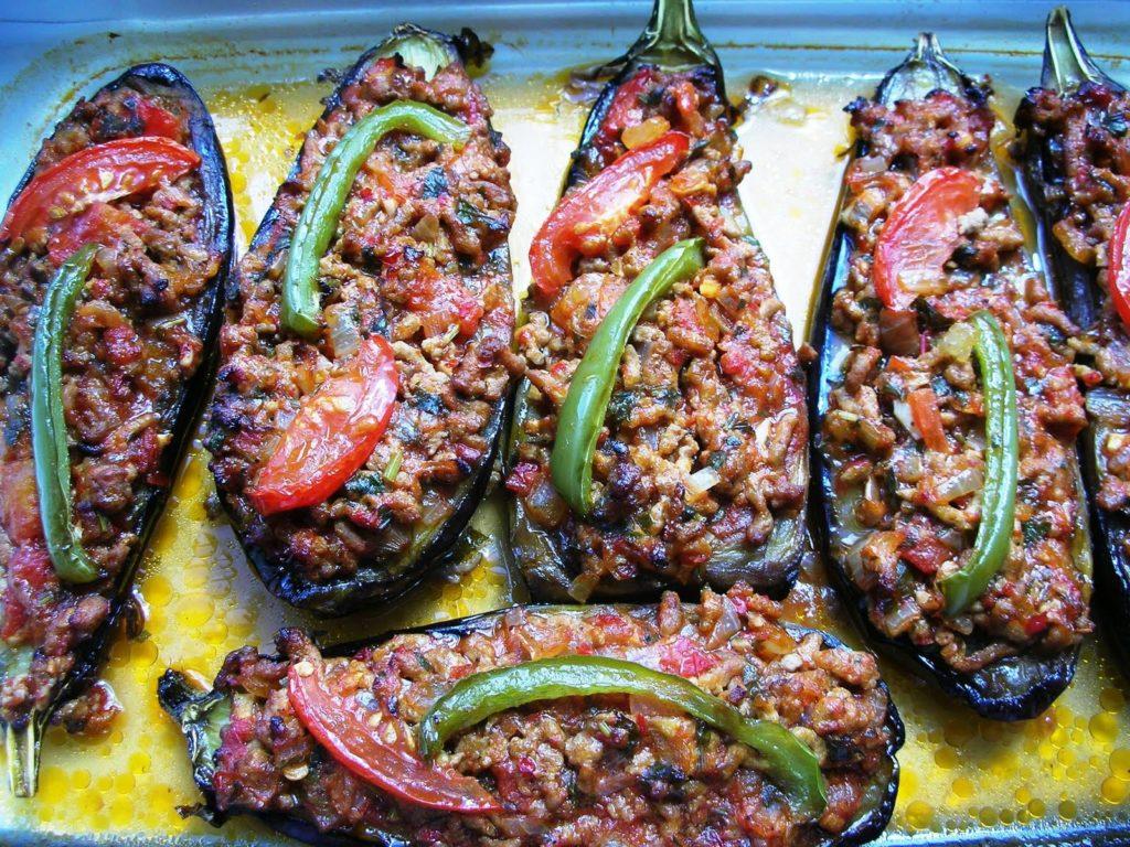 Αυτή η εικόνα δεν έχει ιδιότητα alt. Το όνομα του αρχείου είναι Karniyarik-Stuffed-Eggplants-010-1024x768.jpg