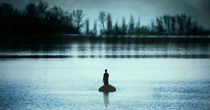 Αυτή η εικόνα δεν έχει ιδιότητα alt. Το όνομα του αρχείου είναι river-pond-night-boat-man-black-and-white19.jpg