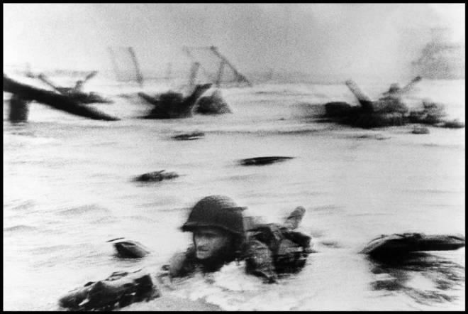 Αυτή η εικόνα δεν έχει ιδιότητα alt. Το όνομα του αρχείου είναι FRANCE.-Normandy.-June-6th-1944.-Landing-of-the-American-troops-on-Omaha-Beach.2.jpg